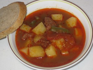 Slovak goulash with bread