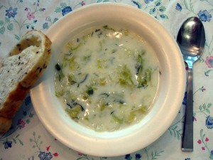 Slovak lettuce soup with dill