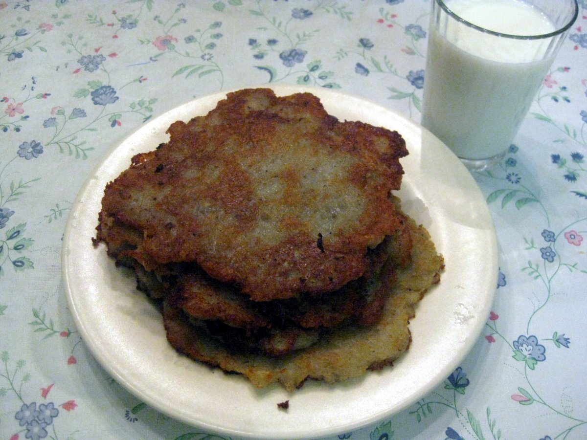 Potato pancakes zemiakov placky recipe slovak cooking paper towel crunchy potato pancakes ccuart Image collections