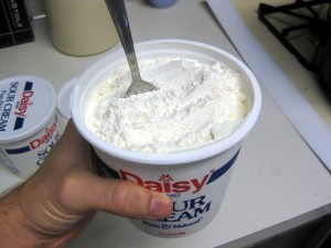 sour cream with flour