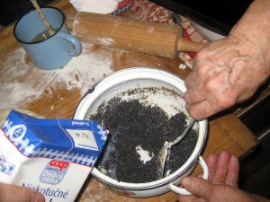 poppy seeds with milk