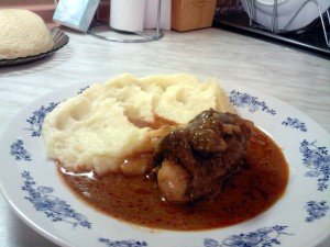 meat rolls with mashed potatos