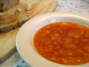 red cabbage soup with tomato paste and garlic toast