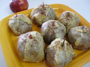 baked apples stuffed with nuts and jam jablka v zupane