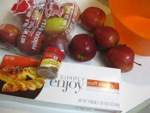 ingredients for making apple strudel