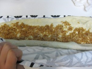 how to roll strudel