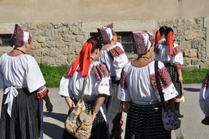 slovak female traditional outfits